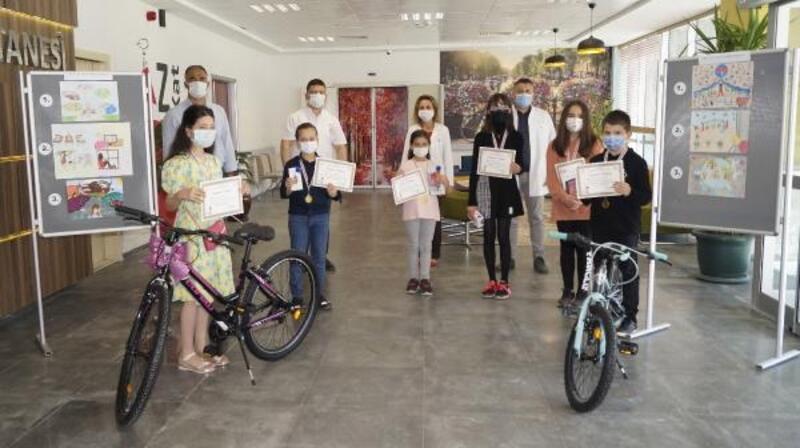 Çocuklar, resimleriyle salgına dikkat çekti