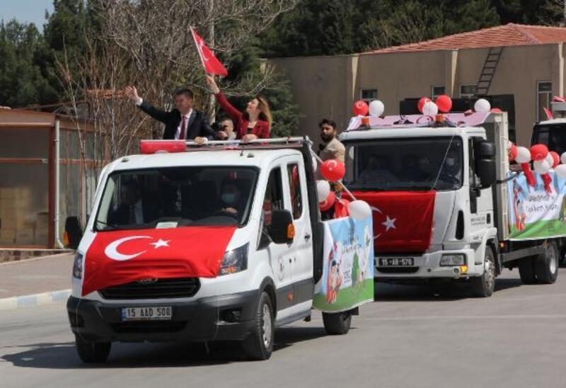 Burdur'da 23 Nisan konvoyu