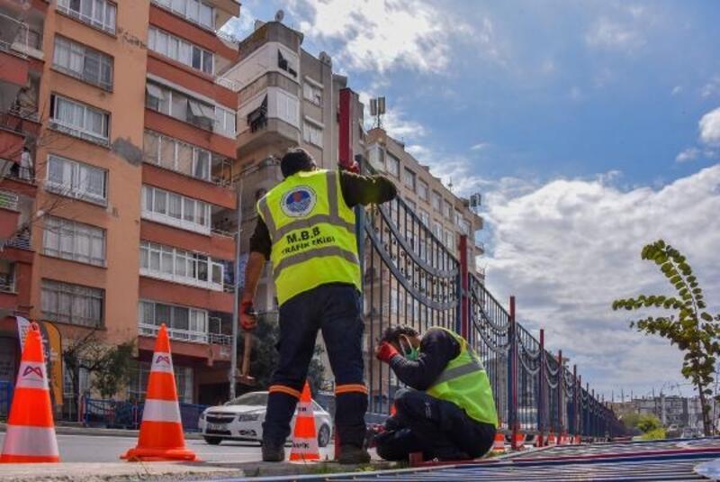 Mersin Büyükşehir, yol ve yaya güvenliği için çalışıyor