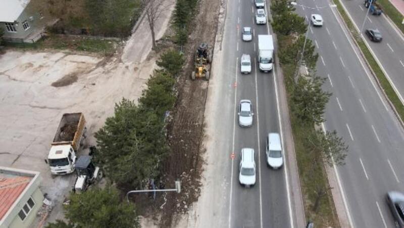 Kayseri'de yol yapım çalışmaları sürüyor
