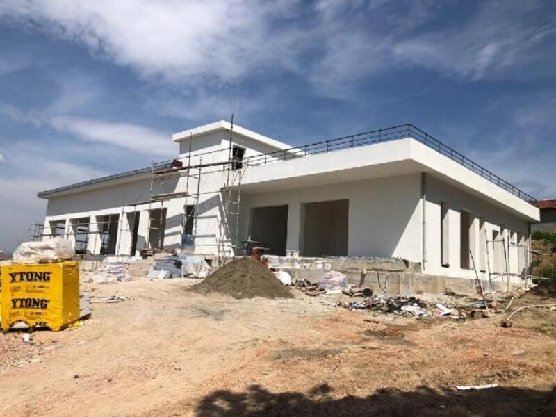 Yenişehir'de Mahalle Konağı inşaatında sona gelindi
