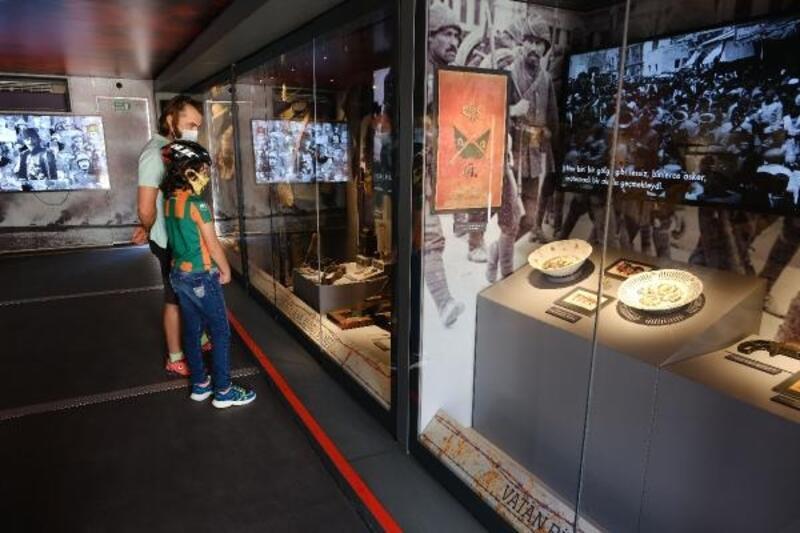 Çanakkale Savaşları Mobil Müzesi Alanya'da