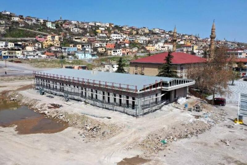 Hacılar'da Aile Sağlığı Merkezi inşaatı sürüyor