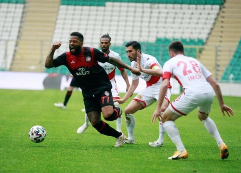 Antalyaspor'da galibiyet özlemi 5 haftaya çıktı