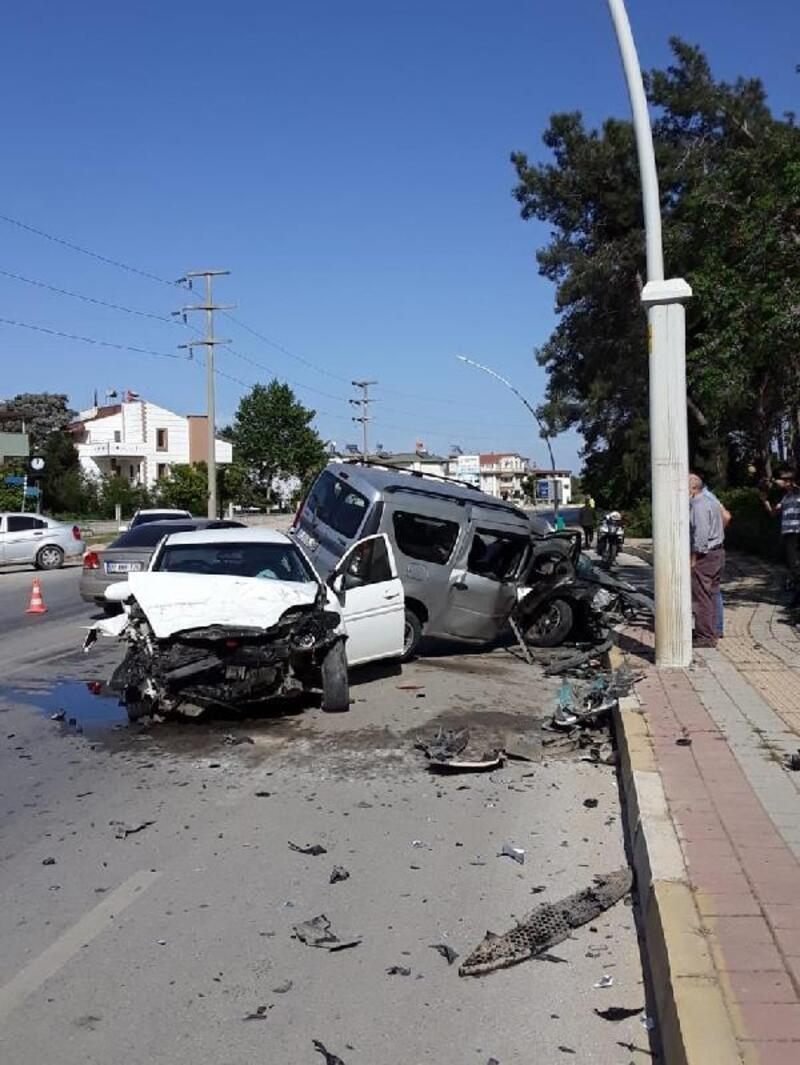 Serik'teki kazada 2 kişi yaralandı