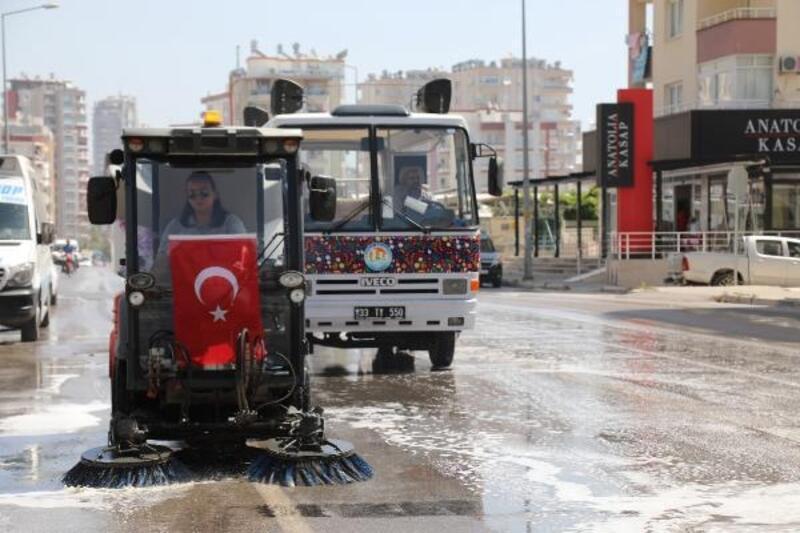 Mezitli sokakları temizlendi