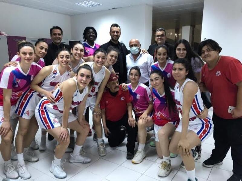 Mersin Büyükşehir kadın basketbol takımı Play-Off'a kaldı