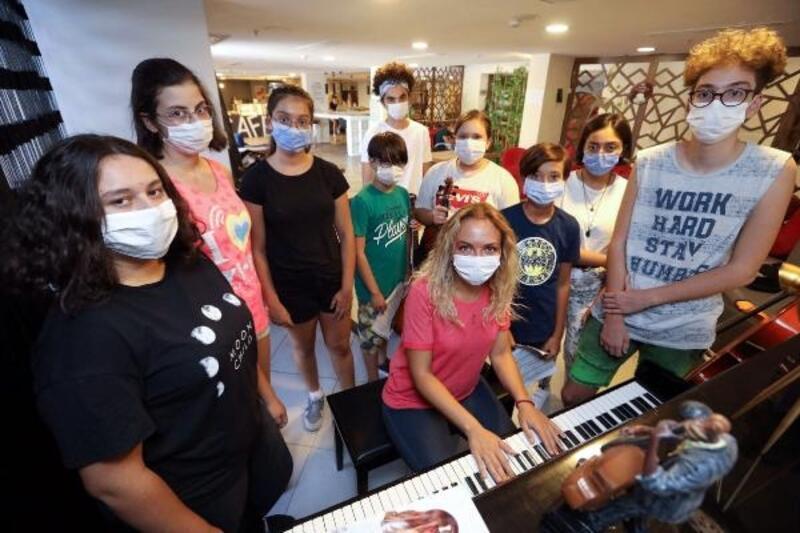 Bucalı gençlerden müzik ve girişimcilik başarısı