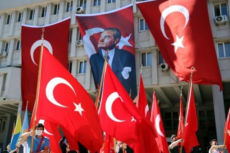 Zonguldak'ta 19 Mayıs törenle kutlandı