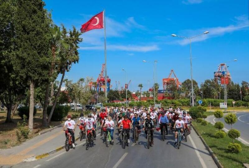 19 Mayıs coşkusu 'Gençlik Bisiklet Turu' ile sürdü