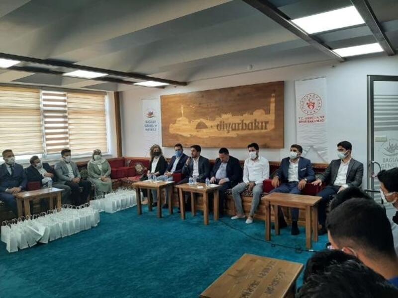 Başkan Beyoğlu, gençler buluştu