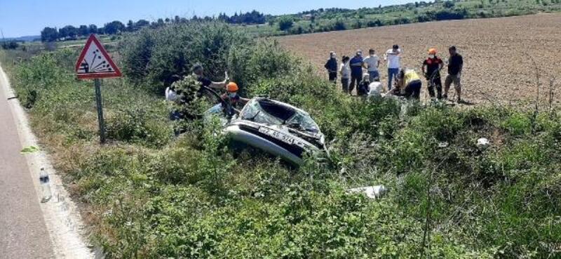 Edirne'de yoldan çıkan otomobil takla attı, karı-koca yaralandı