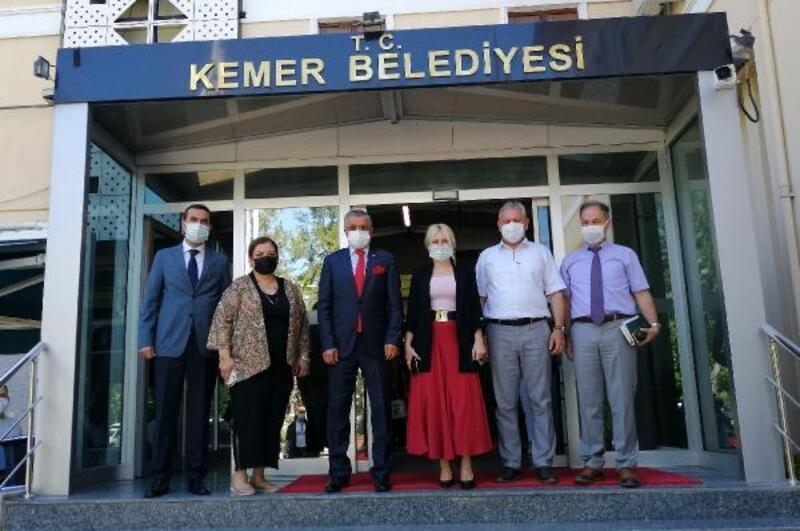 AÜ Rektörü Özkan'dan, Kemer Belediyesi'ne ziyaret