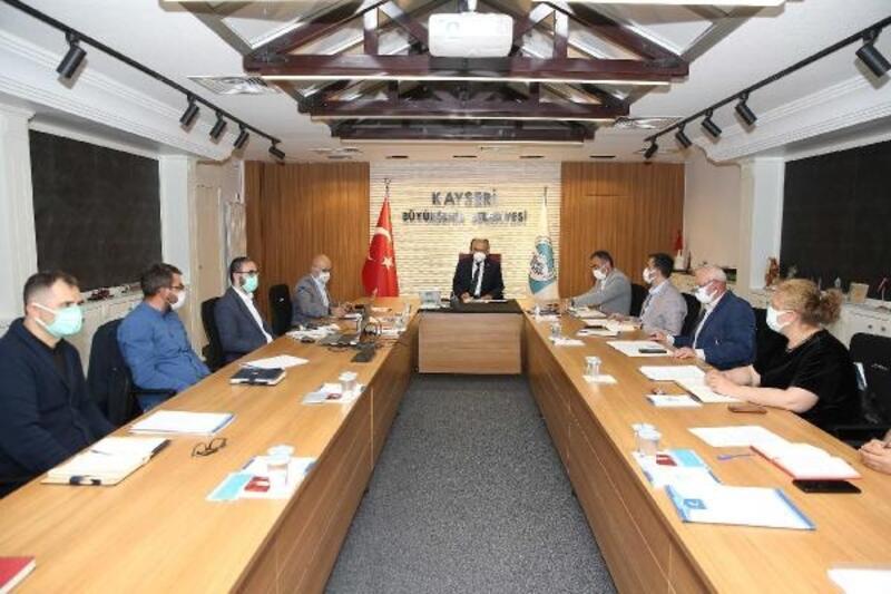 Başkan Büyükkılıç'tan Erciyes'te turizm toplantısı