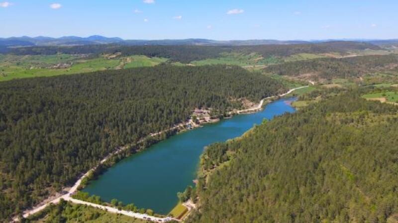 Karabük'te Ortakçılar Göleti doğa tutkunlarını ağırlıyor