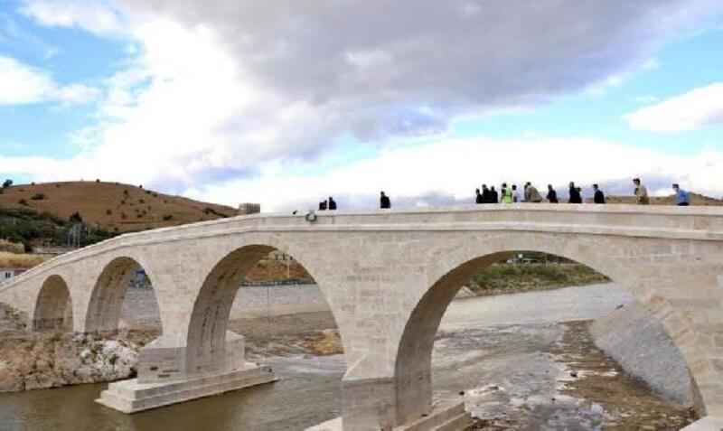 Tarihi köprünün restorasyonu tamamlandı