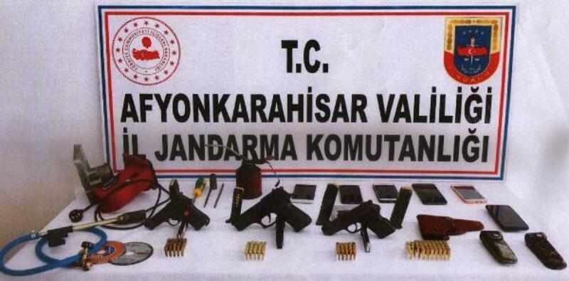 Afyonkarahisar'da silah kaçakçılığı operasyonu