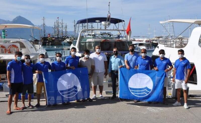 Kemer'de 4 tur teknesine mavi bayrak