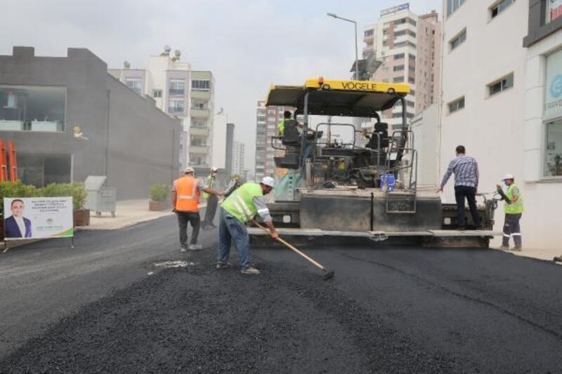 Toroslar'ın dört bir yanında sıcak asfalt çalışmaları devam ediyor