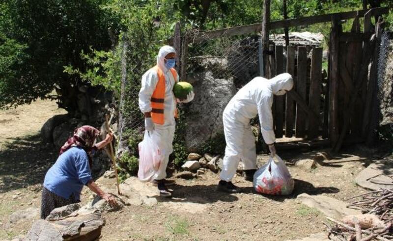 Manavgat'ta karantina bölgesine yardımlar sürüyor