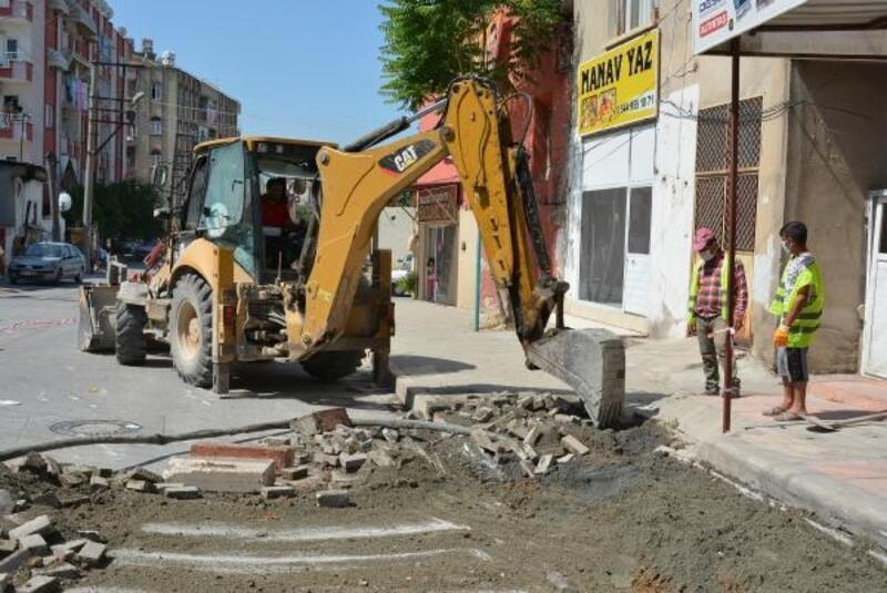 Tarsus'ta yoğun olarak kullanılan İstiklal Caddesi yenileniyor