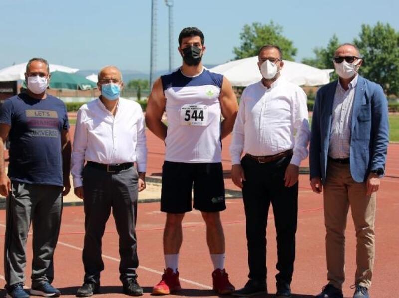 Osmangazili atlet, kendi rekorunu geliştirdi