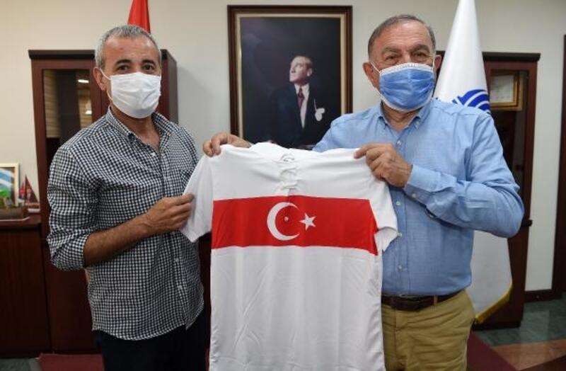 TÜFAD'dan Başkan Akay'a teşekkür ziyareti