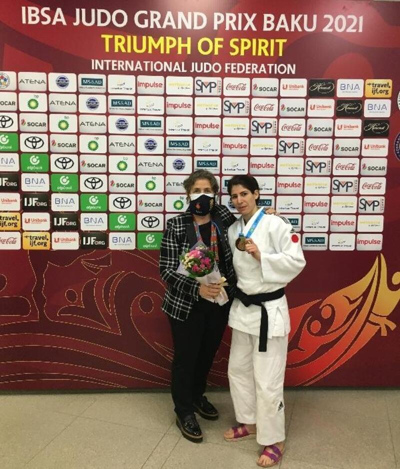 Paralimpik milli judocu Ecem Taşın, Azerbaycan'dan altın madalyayla döndü