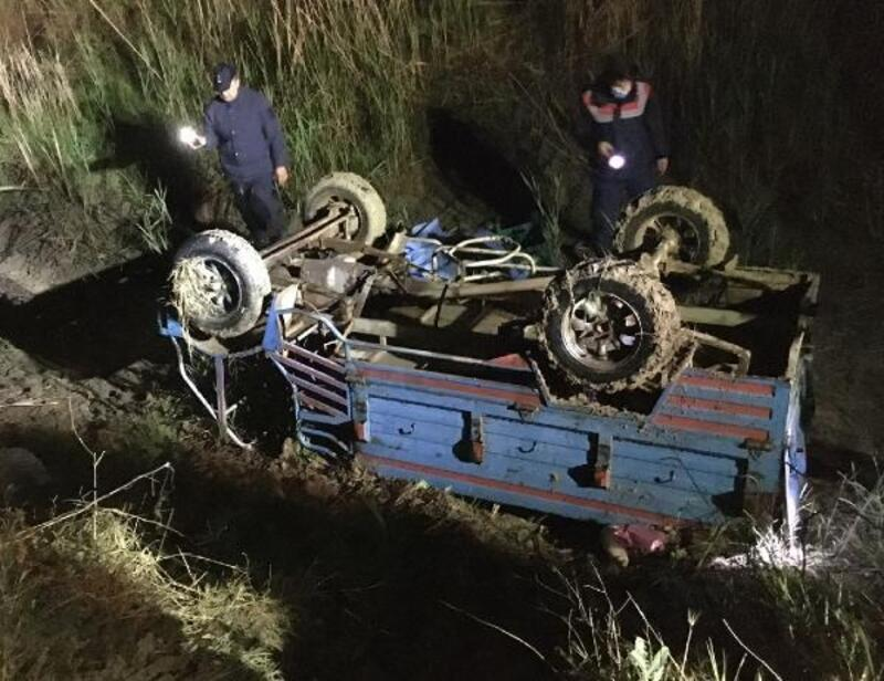 Sulama kanalına devrilen patpatın sürücüsü öldü