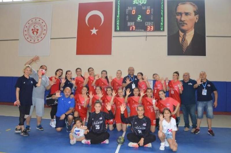Mersin Büyükşehir kadın hentbol takımı 1'inci Lig'e yükseldi