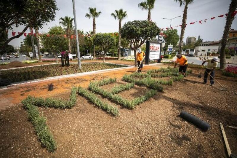 Mersin Büyükşehir ekipleri peyzaj çalışmalarına hız verdi