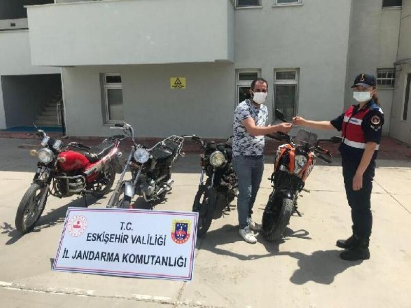 Eskişehir'de 4 motosiklet çalan 2 şüpheli yakalandı