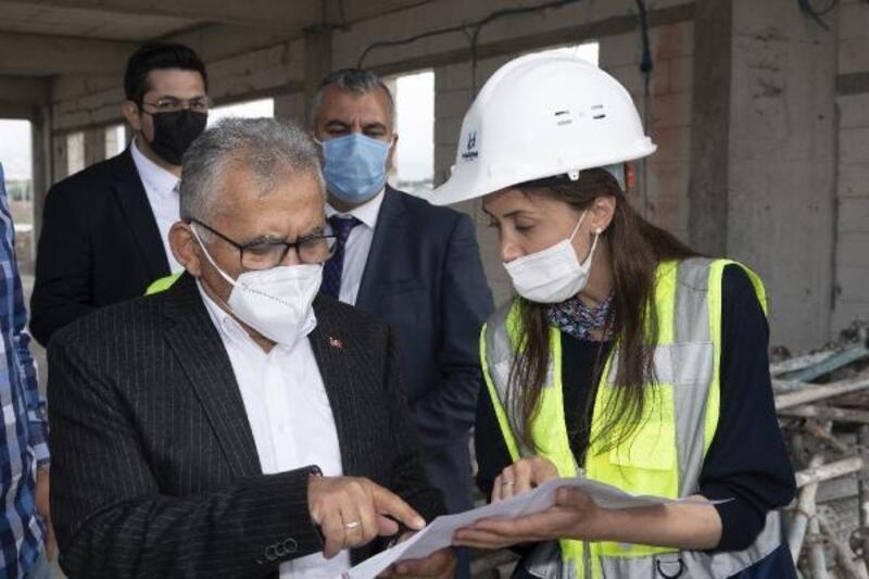 Başkan Büyükkılıç, Millet Bahçesi inşaatında inceleme yaptı