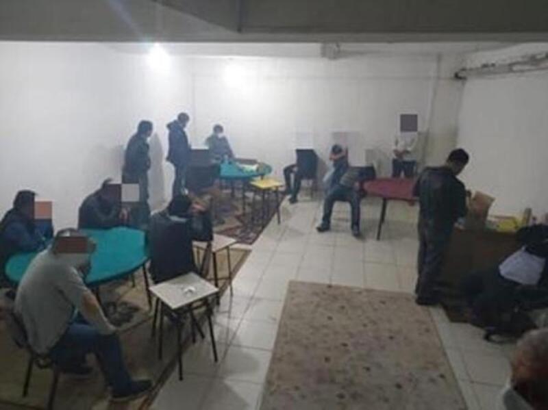 Oyun oynarken yakalanan 13 kişiye 44 bin 100 lira ceza