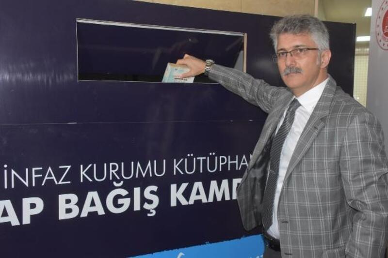 İzmir Adliyesi'nde kitap bağışı kampanyası