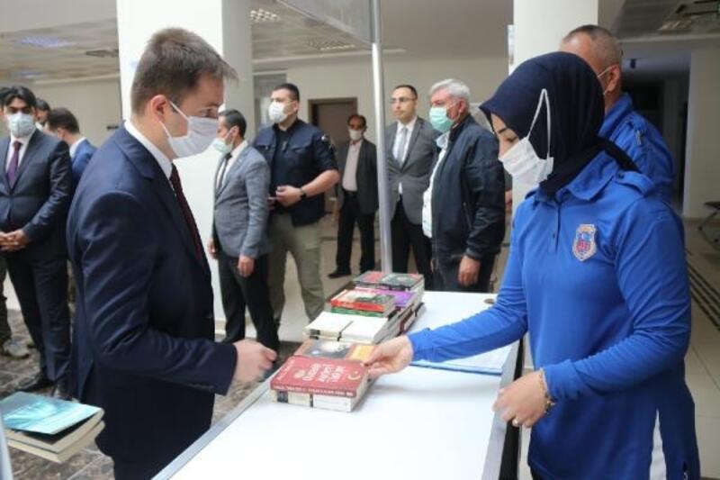 Bitlis'te cezaevi için kitap bağışı kampanyası başlatıldı