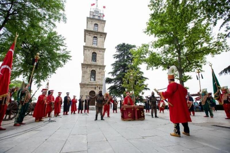 Bursa Mehter Takımı, her hafta vatandaşlarla buluşuyor
