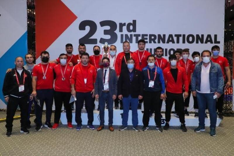 Bursa Büyükşehir Belediyespor'un madalya avı sürüyor
