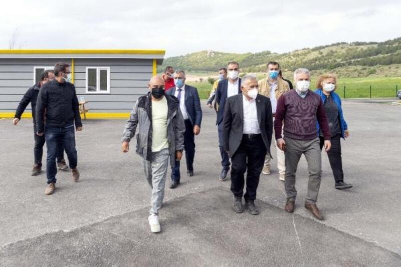 Başkan Büyükkılıç, Erciyes Yüksek İrtifa Kamp Merkezi'ni inceledi
