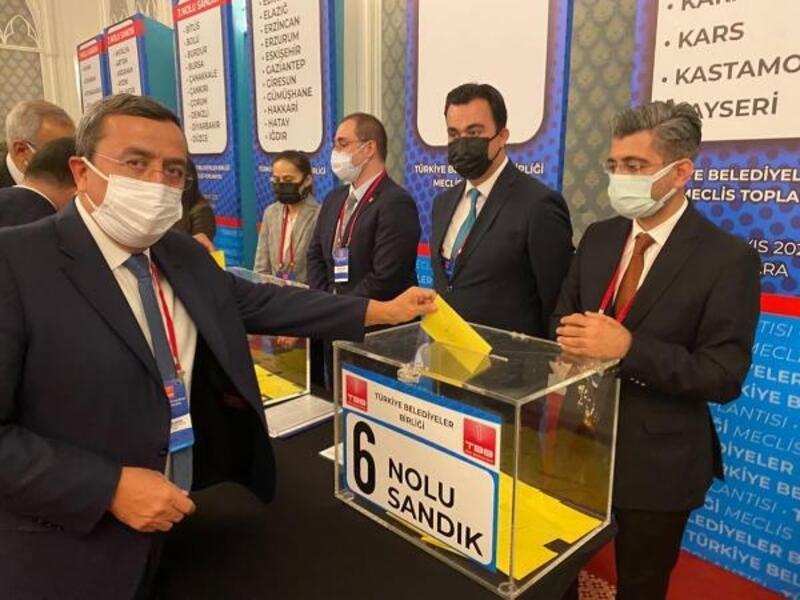 Batur, Türkiye Belediyeler Birliği'nde güven tazeleyip, yeniden encümen üyesi seçildi
