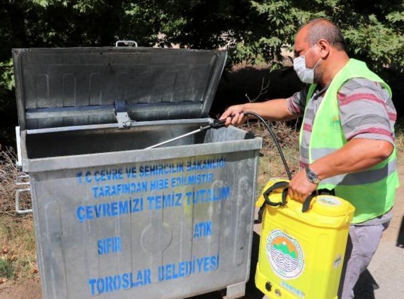 Toroslar'da dezenfekte çalışmaları tüm hızıyla devam ediyor