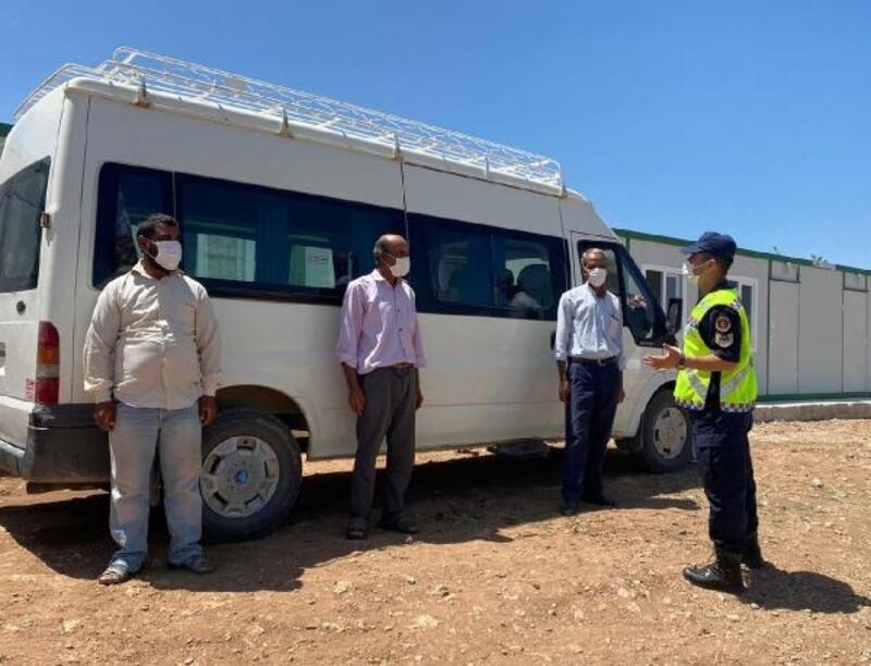 Jandarma servis şoförlerini bilgilendirdi