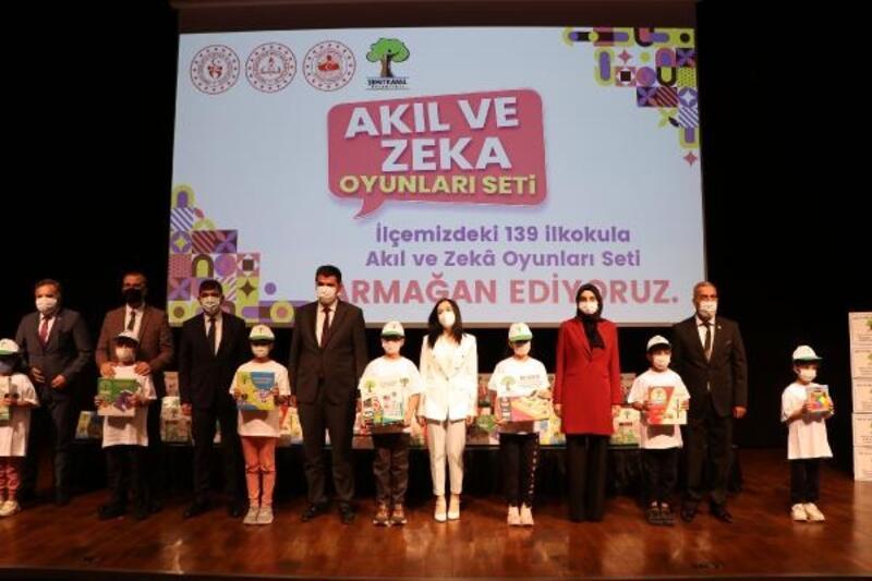 Gaziantep'te 139 okula akıl ve zeka oyunları seti dağıtıldı