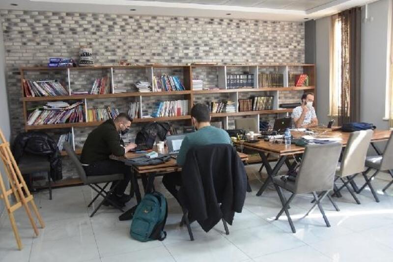 Kocasinan Akademi Gençlik Merkezi'nde YKS ve KPSS kursu