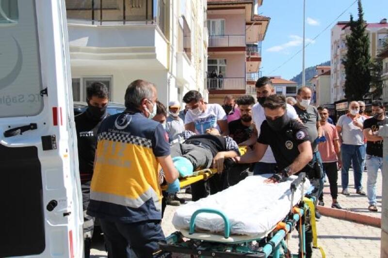 Silahlı saldırıda yaralandı