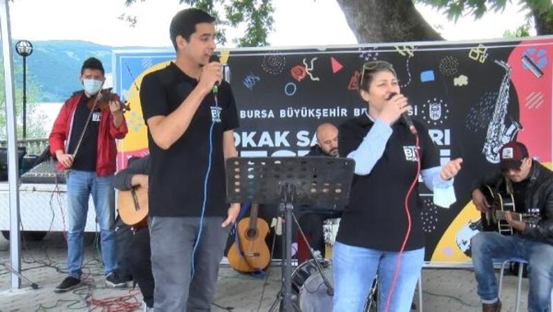Bursa'da 'Sokak Sanatçıları Festivali' sürüyor