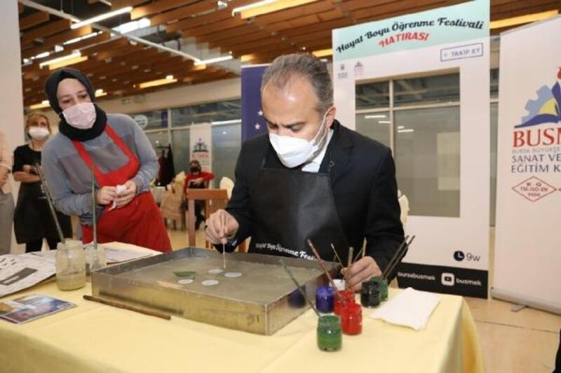 Bursa Büyükşehir Belediyesi 'Hayat Boyu Öğrenme Festivali'ni başlattı