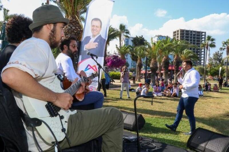 Mersin Büyükşehir, konserleri Atatürk Parkı'na taşıdı