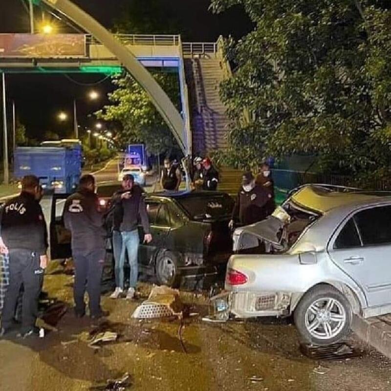 TIR'ın arkadan çarptığı otomobilin sürücüsü kurtarılamadı