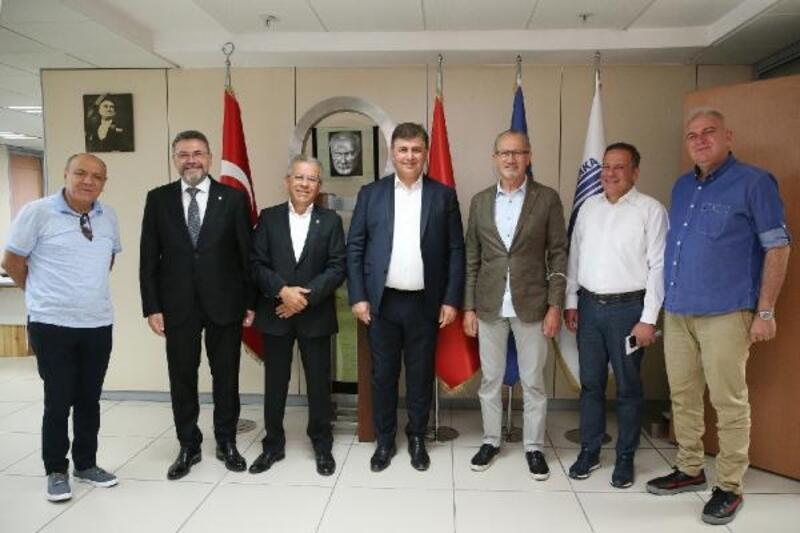 Karşıyaka'da şirketleşme projesine Belediye Başkanı Tugay'dan destek